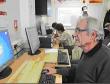 Những khoảnh khắc hài hước của người già trước máy tính