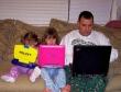 Cấm cha mẹ dùng Facebook nếu có con dưới 5 tuổi?
