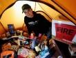 Fan dựng lều đợi mua iPhone 5 trước cả tháng